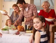 familia celebrando