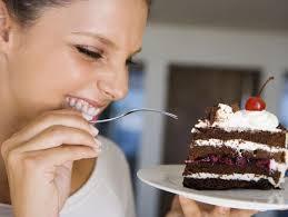 chica con tarta